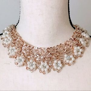 NEW! GOLDEN SEQUINED PEARL COLLAR NECKLACE W/BOW